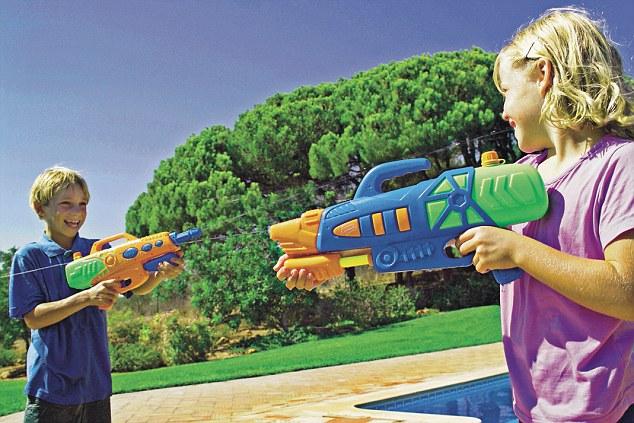 Pistolas de agua para niños y niñas